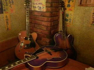 ギター×7!ε=(^◇^;